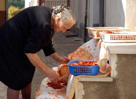 """Ricette di Sicilia: """"i pummarori sicchi"""""""