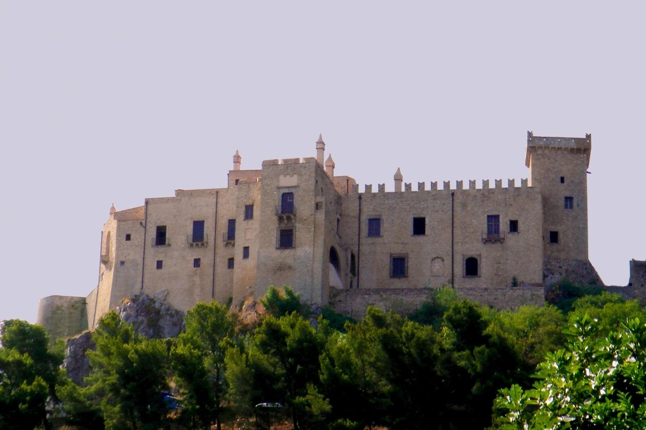 Castello_La_Grua-Talamanca_Carini_-2