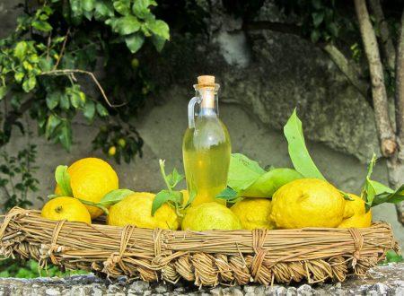 """Ricetta siciliana: """"il limoncello di Sicilia"""""""