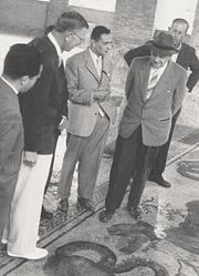 1952 - Da Sx. Sindaco di Piazza Armerina, Re Gustavo VI Adolfo di Svezia, Gino Vinicio Gentili, Axel Boëthius, alle spalle Cav. Vittorio Veneziano